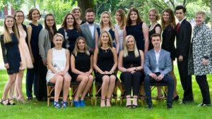 Die Absolventen der Fachoberschule Gesundheit und Soziales. (c) Foto: PicPenSAG BBS Melle